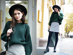 Anna B - H&M Black Hat, Pull & Bear Green Sweter, Monki A Skirt, Zara Ankle Boots - Current mood