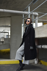 Toma Muznikaitė - H&M Studio Oversized Coat, Lindex Grey Culottes, Deichmann Combat Boots, Vintage Turtleneck Sweater, Zaful Big Modern Black Sunglasses - The Black and Gray Morality