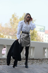 Sonja Kovac - H&M Shirt, H&M Skirt, H&M Belt, H&M Bomber Jacket, Givenchy Boots, Ray Ban Sunglasses - CHANEL EVENT | NEW CHANEL5 PERFUME | BRATISLAVA 2