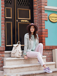 Viktoriya Sener - Catarzi Hat, Romwe Lacket, Romwe Sweater, Mango Jeans, Adidas Trainers, Mango Backpack - PASTEL