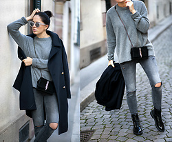The Day Dreamings - Zara Sweater, Zara Bag, Zara Ripped Jeans, Zara Boots, Zara Coat, Triwa Sunglasses - Staying stylish while exploring the city