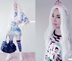 Hanna Painter - Hello Kitty Bag, Made By Me Skirt, Army Girl Shirt, My New Instagram - Queen of white hair