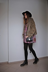 Yulia Sidorenko - La Redoute Fur Coat, Asos Boots, Zaful Dress, H&M Hat, Wholesalebuying Sunglasses - Floral and fur