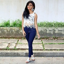 Siça Ramos - Yoins White Transparency, Jeans Skinny, Shein Off White Silver - Sandals Silvee And Jeans