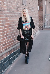 Laura Simon - Na Kd Black Choker, Iron Maiden Shirt, Mango Black Lack Skirt, Asos Fishnettights, Buffalo Black Boots, Asos Long Black Cardigan - Iron Maiden x Fishnet Tights