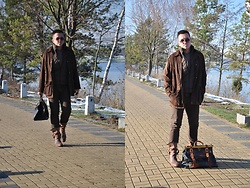 Pawel - Neosens Boots, Vintage Bag, Levi's® Pants, Polo Ralph Lauren Suede Jacket Leather Jacket, Tommy Hilfiger Sweater, Selected Vest - Brownie for you!