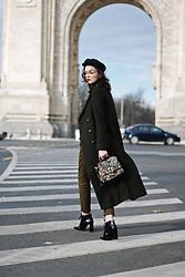 Andreea Birsan - Pointed Toe Ankle Boots, Khaki Military Coat, Marina Cap, Retro Eyeglasses, Embroidered Bag, Khaki Jogger Pants - The military coat you will wear all winter long