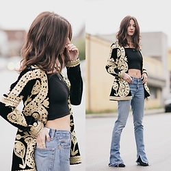 Kiara Schwartz - For Love & Lemons Blazer, Redone Jeans, Aritzia Top - Goldie Babe