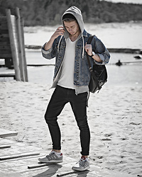 Edgar - Vintage Denim Jacket, H&M Plain White V Neck T Shirt, Bershka Black Skinny Denim Jeans, Adidas Gray Sneakers, H&M Gray Hoodie, Black Leather Backpack, Aeon Black Leather Watch - DENIM REFRESH