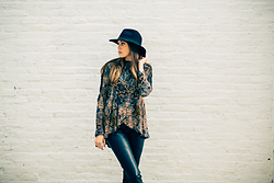 Gabrielle L. - Free People Black And Gold Top, Free People Leather Pants - Black on black