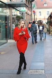 Sonja Kovac - H&M Red Dress, H&M Headphones, Le Silla Over The Knee Boots - RED DRESS | CHRISTMAS GIVEAWAY BY H&M