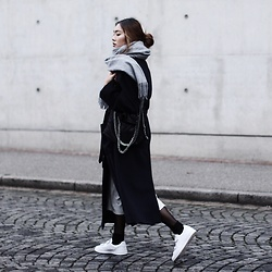 Thao Nhi Le - American Vintage Wrap Over Coat, Adidas White Sneaker - Winter Layering