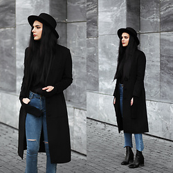 CLAUDIA Holynights - Vipme Coat, Shein Jeans, 4th & Reckless Boots - Kick flare jeans