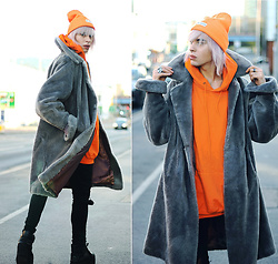 Milex X - State Of Wow Hat, Vintage Coat, Ebay Sweatshirt, Dr Denim Jeans, Buffalo Platforms - ORANGE ALERT