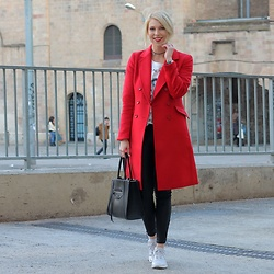 Lavie Deboite - H&M Red Coat, H&M Bag - Red Coat