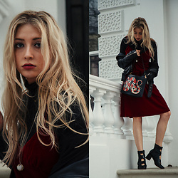 Eleonore Marie Stifter - Gucci Snake Bag, All Saints Leather Jacket - Festive Days