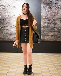 Renée Alcalá - Forever 21 Skirt, Stradivarius Top, Amazon Bag, Forever 21 Sweater, Dr. Martens Boots - Stay stay