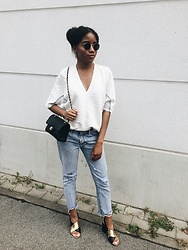 Nelly Negret -  - Chanel bag and boyfriend jeans