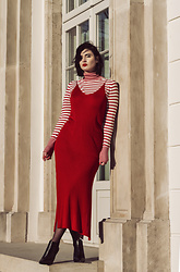 Wiktoria Celmer - Zara Red Dress, Zara Striped Turtleneck - Holidays / New Years Eve Look