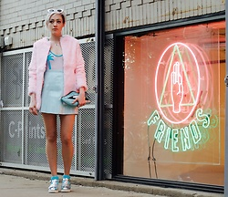 Aleecia Jae - Minimale Animale Golden Triangle One Piece, American Apparel Baby Blue Vinyl Mini Skirt, Windsor Smith Holographic Lily, Skinnydip Glitter Lips Clutch - Like, gag me with a spoon...