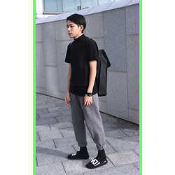 Kai Chi Lao - Zara Top。, Marc By Jacobs Watches。, Rains Bag。, Marc By Jacobs Shoes。 - #green #black #mbmj #zara #marcbymarcjacobs #plainmelife #pl