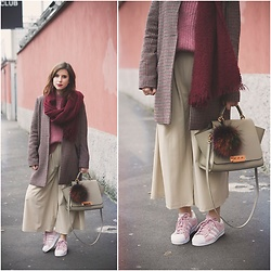Eleonora Pellini - Zac Posen Beige Eartha, Adidas Pink Superstars - Raspberry