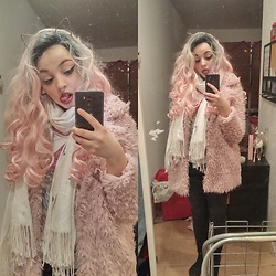Molly Girard - Ardene Fluffy Pink Jacket, Rockstar Wigs Wig, Ardene Cat Ears - Fluffy Pink Kitten ?