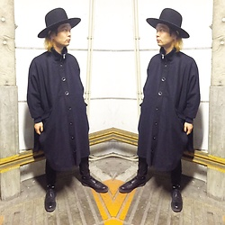@KiD - Henrik Vibskov Over Sized Coats, Newyork Hat Boy Geroge Hats, George Cox, Ch. Black Pants - Japanese Trash 86