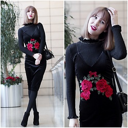 Anastasiia G - Sammydress Embroidered Velvet Dress, Sammydress Turtleneck Sweater, H&M Choker - Start of 2017