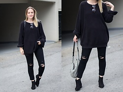 Jenaly Enns - American Apparel Fisherman Sweater, Frame Le High Skinny Distressed Denim - Hiding behind black