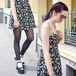 Amanda Wizping - H&M Dress, Ray Ban Sunglasses, Topshop Socks, T.U.K. Footwear Platform Sandals - Shape of You