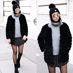Elizabeth -  - FAUX FUR & FISHNETS