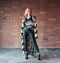 Stephanie Gold - Junk Food Pantera Concert Tee, H&M Pleather Moto Pants, Nasty Gal Double Buckle Belt, Zigi Soho Zipper Back Boot, Vintage Black And Gold Kimono - Black and Gold