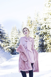 Andra Vaida - Ingrid Teodosiu Pink Dress - Another start