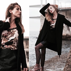 Diamond & Peonie - Promod Flower Tanktop, Zara Black Skirt, Zara Trench -  Cold sea