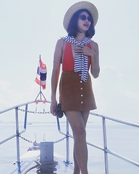 Cassey Cakes - H&M Striped Top, H&M Mini Skirt, Dorothy Perkins Leopard Bag, Mango Sunnies, H&M Straw Hat - Krabi