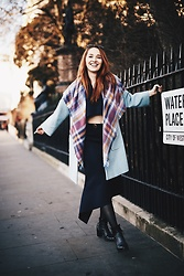 Fashion Artista - Peggy Hartanto Skirt And Crop Top, Elizabeth Martin Tweed Coat, Esprit Scarf - London in Winter