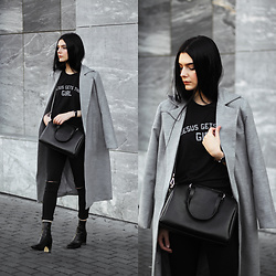 CLAUDIA Holynights - Zaful Coat, Jesus Gets The Girl Tee, Vipme Bag, Vipme Bag, Modatoi Jeans, 4th & Reckless Boots, Daniel Wellington Watch - Grey and Black