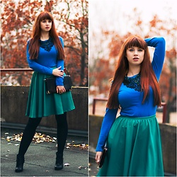 Drew - Atmosphere Top, Cowcow Skirt, Lukzu Design Necklace - Red is colour of autumn