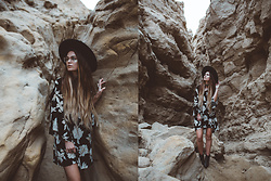 Alexandra Ford Hamilton - Bo & Threads Floral Long Sleeve Dress - The Wind Caves