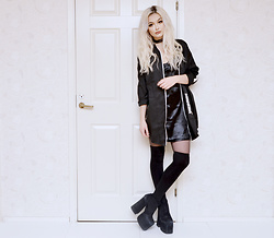 Julia Nilsson - Romwe Slip Choker Dress, Romwe Zip Jacket, Unif The Dame Platform - Drittsekk
