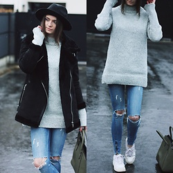 Audrey - Rosegald Sweater, Gina Tricot Jeans, Pimkie Hat, Pull & Bear Coat, Nike Sneakers - Big grey sweater