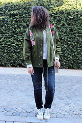 Joana Sá - Zaful Coat, Mango White Shirt, Mango White Bag, Zara Jeans, Adidas Sneakers - Army