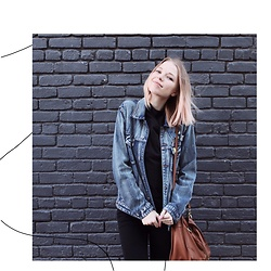 Julia Roga - Instagram, Blog - Pins and Denim