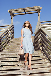 Alyssa Casares - Alyssa Nicole The Audrey Dress, Kate Spade Bag, Ray Ban Ray Ban Sunglasses - Sky Blue