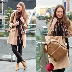 Taylor Doucette - Topshop Camel Coat, Vero Moda Black Coated Denim, Wilfred Blanket Scarf, Old Navy Pointed Suede Ankle Boots, Suede Backpack - Another Day of Sun- La La Land