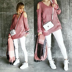 Fasonique - Puma Sneakers, H&M Scarf, Shein Sweater - Pink pink