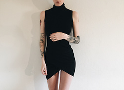 BEHINDHERMASK - Brandy Melville Usa Dress - The black dress