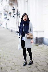 Vivian Tse - Vanilia Scarf, Céline Bag, Mango Sweater, H&M Leggings, Mango Coat, Manfield Derby Shoes - Winter blues