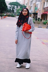 Liyana Aris - Monki Sweater Dress, Natural Basic Beauty Bag Clutch, Uniqlo Maxi Skirt, Adidas Stan Smith - Disproportionately Satisfactory: Sweater Dress + Maxi Skirt